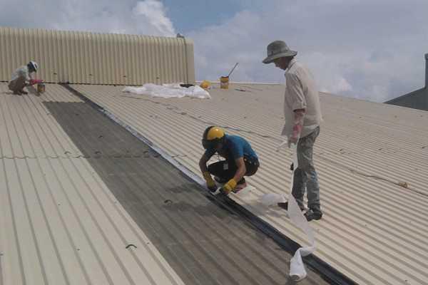Sửa mái tôn nhà tại tphcm HOTLINE 0906 700 438 - Sửa chữa nhà - Chống thấm - Sơn lại nhà - Điện nước