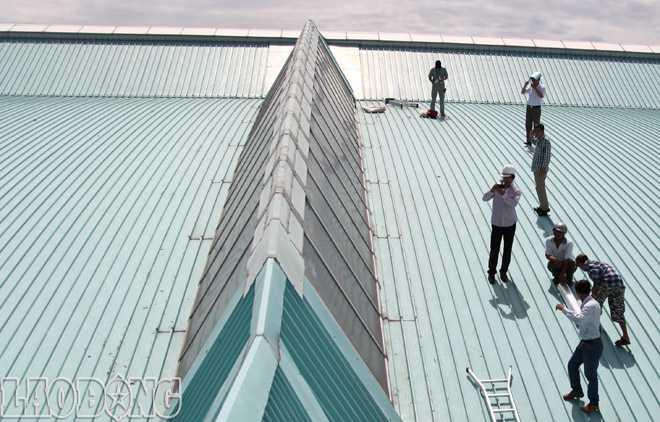 Thợ lợp mái tôn tại quận 1