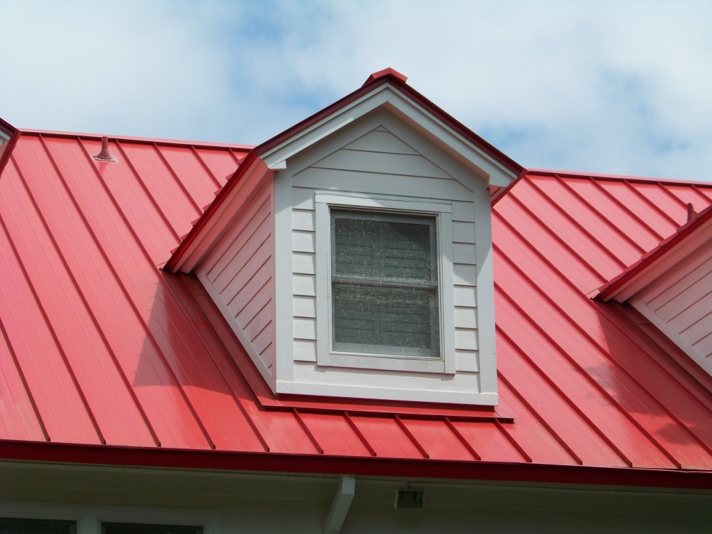 Thợ lợp mái tôn tại quận 12 - Dịch vụ sửa chữa nhà - Sơn lại nhà cũ - Sửa máy bơm nước - Đường ống nước giá rẻ