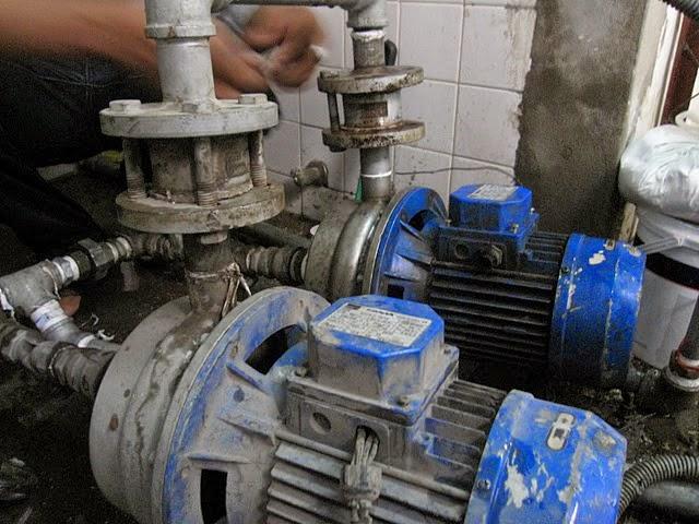 Thợ sửa máy bơm nước ở tại nhà quận 11
