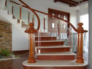 Báo giá cầu thang gỗ đẹp rẻ nhất thị trường