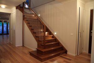 Báo giá cầu thang gỗ đẹp rẻ nhất