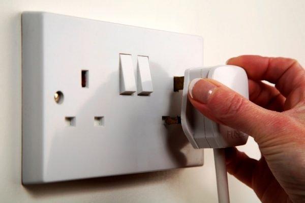 Cách kiểm tra điện âm tường bị chập nhanh nhất