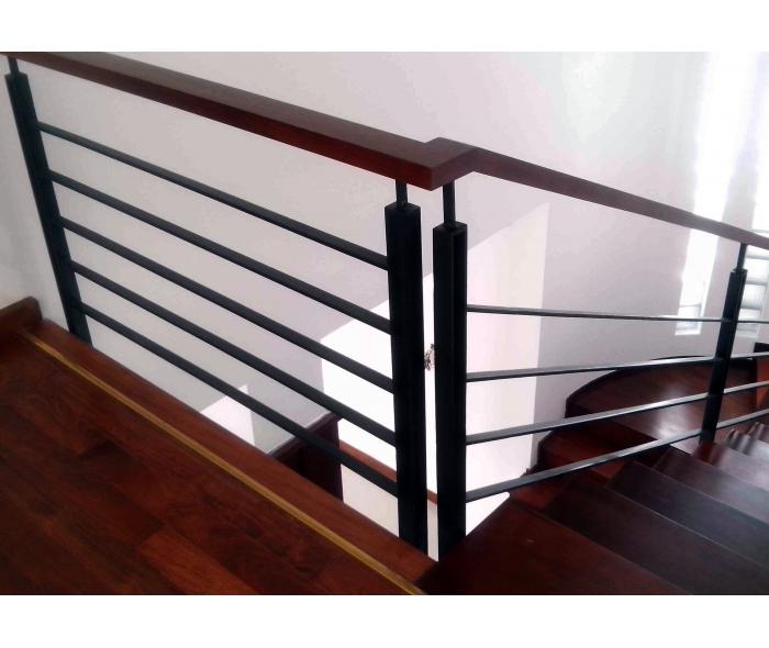 mẫu cầu thang sắt hộp đơn giản đẹp