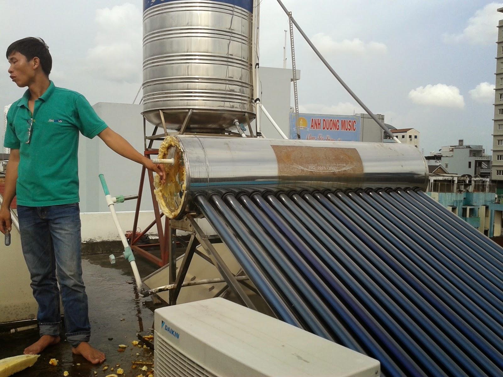 dịch vụ sửa chữa máy nước nóng năng lượng mặt trời uy tín