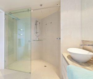 báo giá vách kính phòng tắm giá rẻ hấp dẫn