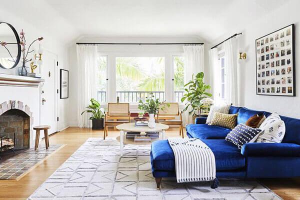 Thiết kế phòng khách nhà ống kết hợp ánh sáng tự nhiên tạo không gian thoáng đãng